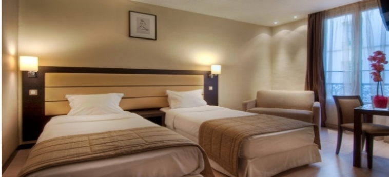 Sure Hotel By Best Western Paris Gare Du Nord: Chambre Triple PARIS
