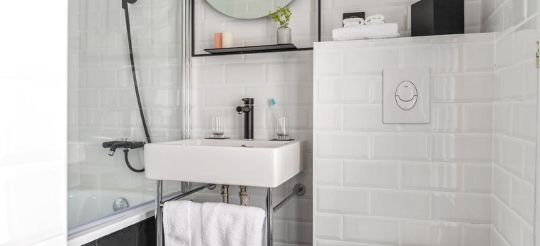 9Hotel Bastille-Lyon: Badezimmer PARIS