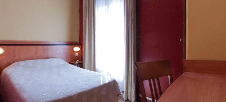 Hotel Hibiscus Republique: Guestroom PARIS