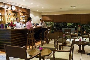 Hotel The Seasons Pattaya: Lounge Bar PATTAYA