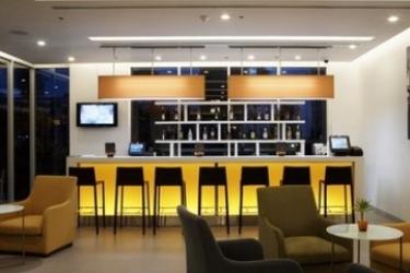 Hotel Ibis Pattaya: Bar PATTAYA