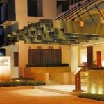 Hotel Woodlands Suites
