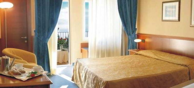 Hotel Bluebay Colle Della Trinità: Habitación PERUGIA