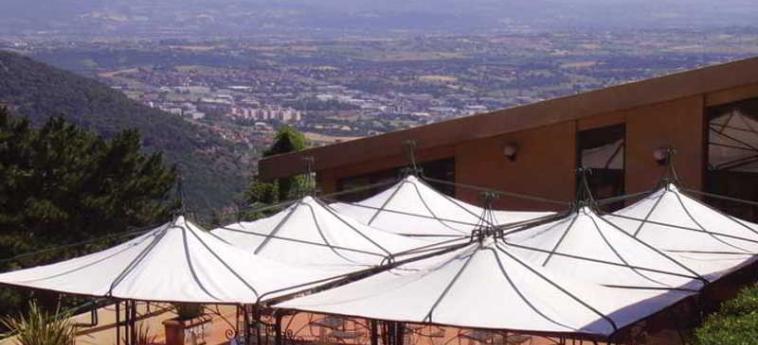 Hotel Bluebay Colle Della Trinità: Terraza PERUGIA