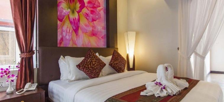 King Grand Suites Boutique Hotel: Bedroom PHNOM PENH