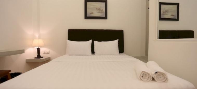 Hotel Lance Court: Putting Green PHNOM PENH