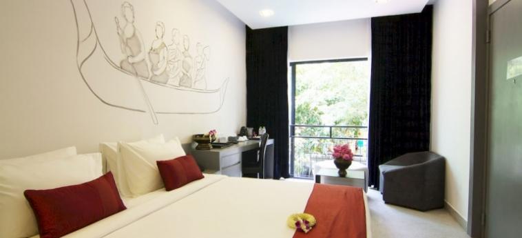 Teav Bassac Boutique Hotel & Spa: Camera Premium Lake View Room PHNOM PENH