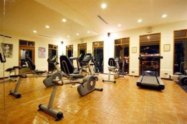 Hotel Andaman White Beach Resort: Activité PHUKET