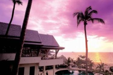 Hotel Andaman White Beach Resort: Extérieur PHUKET