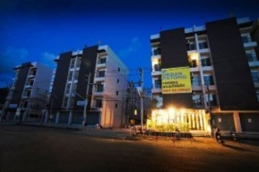 Urban Patong Mini Hotel & More: Exterior PHUKET