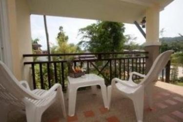 Hotel Vimonsiri Hill Resort & Spa: Terrasse PHUKET