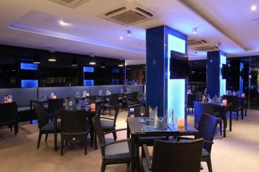 Hotel Absolute Twin Sands Resort & Spa: Bar PHUKET