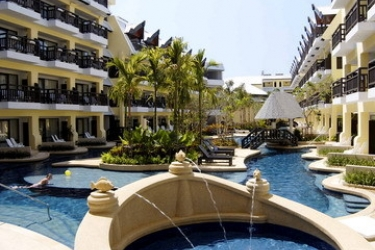 Hotel Woraburi Resort & Spa: Exterior PHUKET
