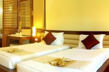 Hotel Duangjitt Resort: Chambre de Luxe PHUKET