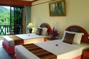 Hotel Duangjitt Resort: Schlafzimmer PHUKET