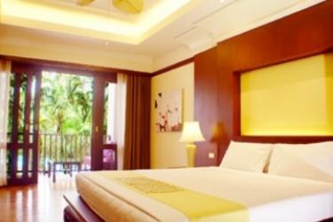 Hotel Duangjitt Resort: Suite PHUKET