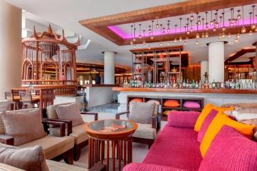 Hotel Movenpick Resort & Spa Karon Beach Phuket: Bar PHUKET