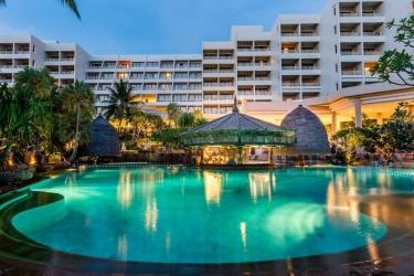 Hotel Movenpick Resort & Spa Karon Beach Phuket: Exterior PHUKET