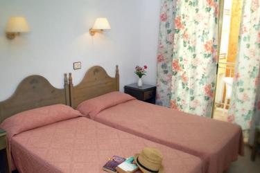 Hotel Merce: Schlafzimmer PINEDA DE MAR - COSTA DEL MARESME