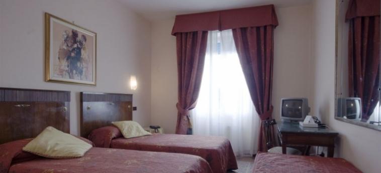 Hotel La Pace: Chambre Triple PISE