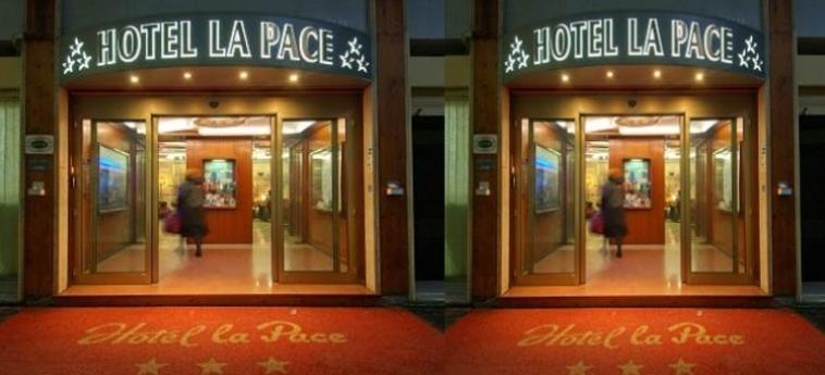 Hotel La Pace: Entrée PISE