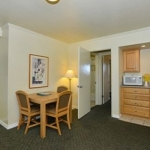 Hotel Edgewater Inn And Suites