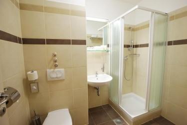 Hotel Breza: Bathroom PODCETRTEK