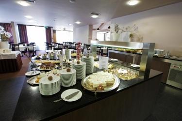 Hotel Breza: Buffet PODCETRTEK