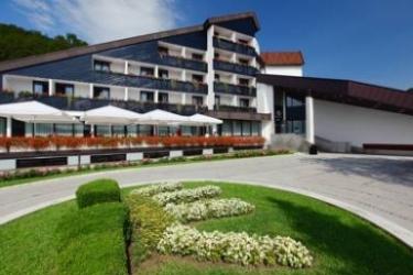 Hotel Breza: Exterior PODCETRTEK