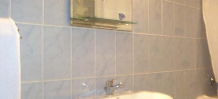 Hotel Residence Saint-Jacques Bord De Mer: Bathroom POINTE-NOIRE