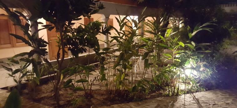 Hotel Residence Saint-Jacques Centre Ville: Jardin POINTE-NOIRE