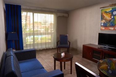 Hotel Elais: Facade POINTE-NOIRE