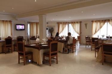 Hotel Palm Beach: Outdoor Bar POINTE-NOIRE