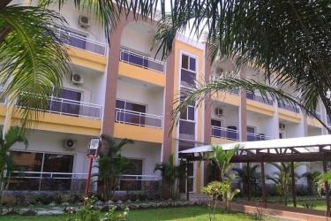 Hotel Palm Beach: Tennis Court POINTE-NOIRE