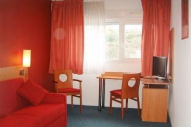 Hotel Sejours & Affaires Poitiers Lamartine : Detail POITIERS