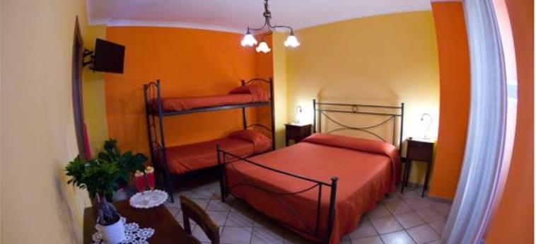 Hotel Pace: Habitaciòn Familia POMPEI - NAPOLES