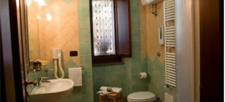 Hotel Pace: Badezimmer POMPEI - NEAPEL