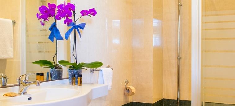 Hotel Dei Pini: Bagno PORTO EMPEDOCLE - AGRIGENTO