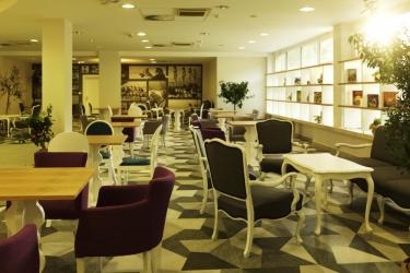 Socializing Hotel Mirna - Terme & Wellness Lifeclass: Bar PORTOROSE