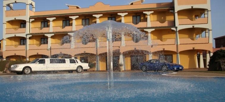 Hotel Lido Degli Spagnoli: Piscina Exterior PORTOSCUSO - CARBONIA-IGLESIAS