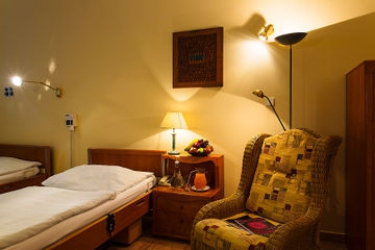 Hotel Wellness And Treatment Ghc: Pista de Tenis PRAGA