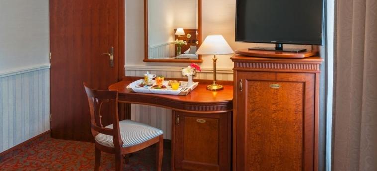 Hotel Adria Prague: Escritorio PRAGA