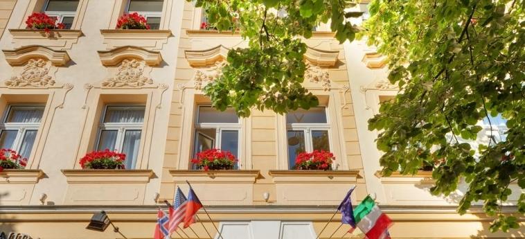 Hotel Adria Prague: Exterior PRAGA