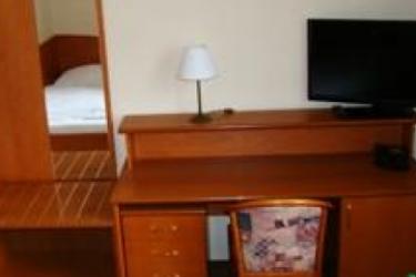 Hotel Vila Lanna: Pine Forest PRAGUE