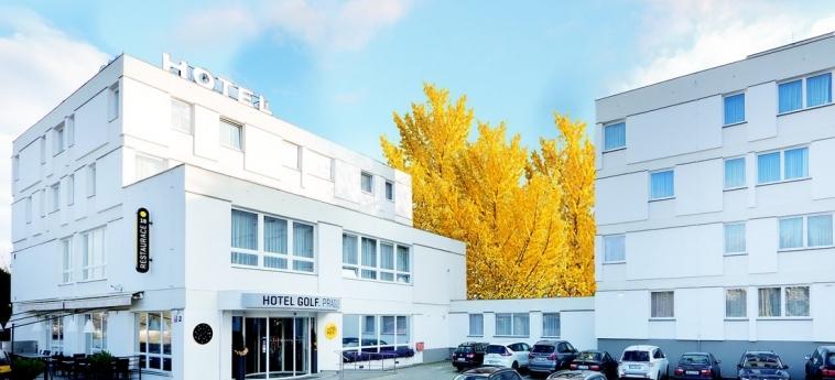 Hotel Golf: Exterior PRAGUE