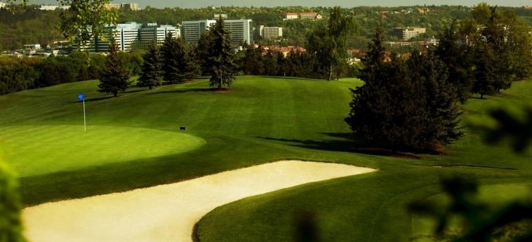 Hotel Golf: Sorroundings PRAGUE