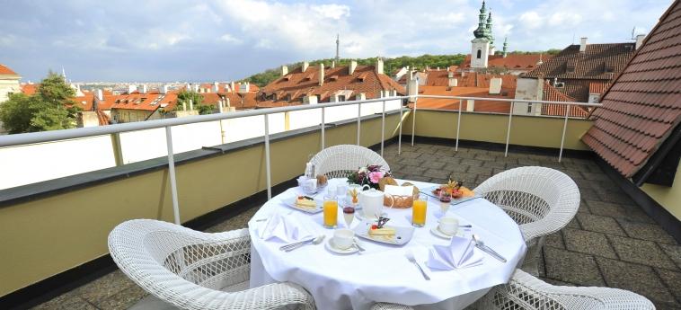 Hotel Savoy: Terrasse PRAGUE