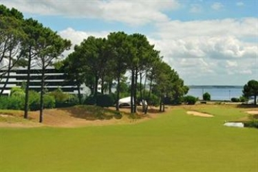 Punta Del Este Golf & Art Resort Hotel Del Lago: Giardino PUNTA DEL ESTE