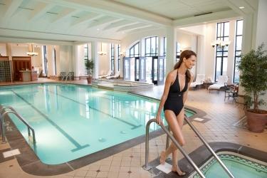 Hotel Fairmont Le Chateau Frontenac: Indoor Swimmingpool QUEBEC CITY