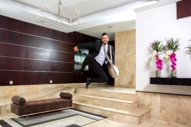 Hotel Lugano Suites: Lobby QUITO